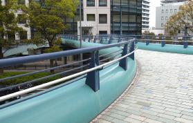 横浜の弁護士 横浜よつば法律税務事務所への神奈川駅からの道順4
