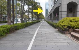 横浜の弁護士 横浜よつば法律税務事務所への横浜駅からの道順11